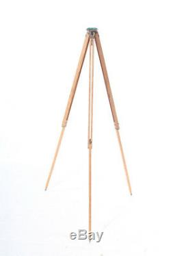 Beautiful Age Large Tripod Tripod Wood Vintage Camera Design Floor Lamp