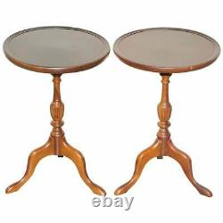 Elegant Pair Of Vintage Mahogany Tripod Lamp Side End Wine Occasional Tables