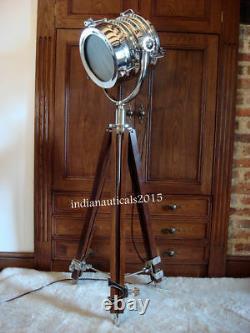 Hollywood Retro Search Light Vintage Spot Studio Lamp WithAdjustable Wood Tripod