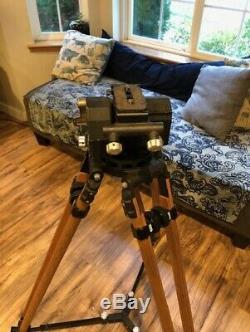 O'connor fluid head Model 30 complete with wood legs, vintage tripod