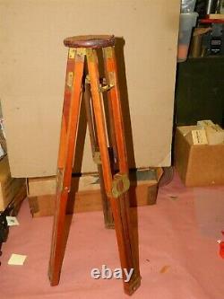 Testrite Vintage Wood & Brass Camera Tripod & Original Box part 18-9118.60-500