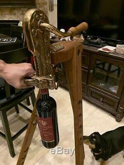 VINTAGE VINTNER SOLID BRASS CORKSCREW WINE OPENER CORKMASTER Wood Tripod STAND