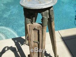 VINTAGE WOODEN LEG EXPANDABLE TRANSIT LEVEL STAND T-25 Surveyor 3 1/2' 5 1/2