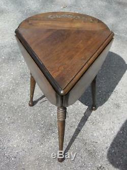 Vintage Hitchcock style Tripod Handkerchief Drop Leaf Side End Corner Table