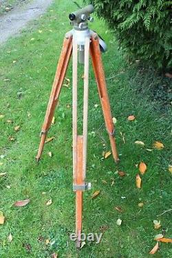 Vintage Kern GKO Dumpy Level in Bakelite Case and With Wooden Tripod