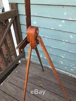 Vintage Wood Floor Folding Portable Art Easel Tripod legs Sign Holder