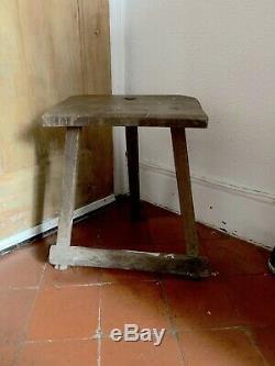 Anciennes Couteliers Wooden Stool Trépied Art Populaire De Siège De Tampons D'argent En Acier