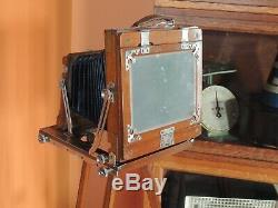 Antique Vintage Field Camera En Bois Avec Hugo Meyer Lens Et Trépied En Bois