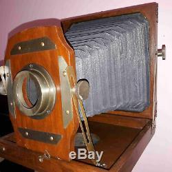 Appareil Photo Pliant Antique De Style Vintage Avec Collection De Trépied En Bois