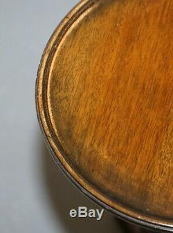 Belle Paire De Tables Fin Lampe Vintage Mahogany Trépied Côté Vin Très Élégant