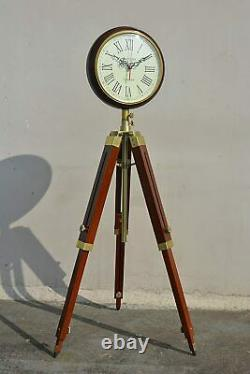 Brown Wood Grandfather Style Floor Clock Vintage Industrial 3 Pliage Trépied