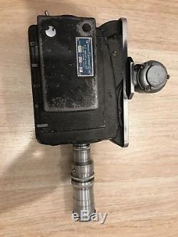 Caméra Auricon Cm72 16mm Vintage Avec Trépied En Bois
