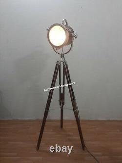 Collection Vintage Décoratif Spotlight Hollywood Lamp Avec Trépied En Bois Lourd