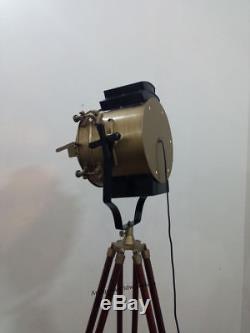 Lampe De Trépied Debout De Style Industriel Avec Spot De Cinéma Vintage
