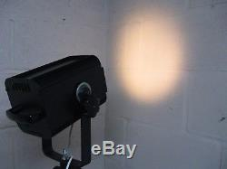 Lampe Sur Pied À Trépied / Lampe Standard En Bois Sur Mesure De Style Industriel