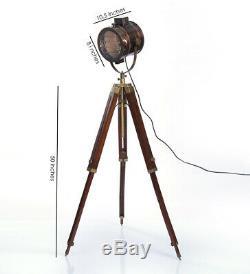 Lampe Sur Pied De Style Rétro Vintage Avec Base Trépied Triple En Laiton Royal