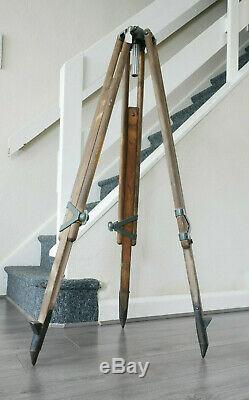 Lampe Trépied Vintage En Bois Surveyors Lampe Industrielle Décor De Projet