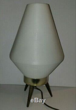 Lampe Vintage En Ruche Ou Fusée Atomique Moderne Du Milieu Du Siècle, Pieds En Bois, Trépied En Bois