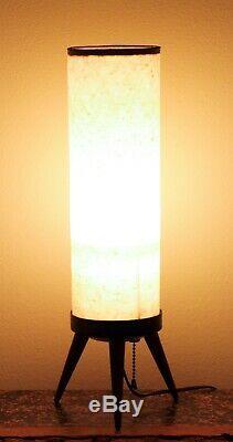 Lampe Vintage Mid-century Avec Trépied, Base En Bois, Lampe Atomic Beehive Boudoir
