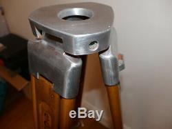 Magnifique Trépied Géomètre Vintage En Bois Revêtu En Aluminium D'importation Américaine