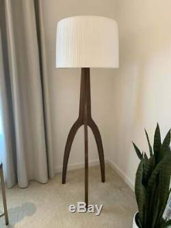 Paire De Style Vintage Trépied Lampadaires