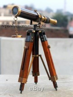 Télescope En Laiton Antique De Bureau Marin Vintage Avec La Portée Marine G De Trépied En Bois