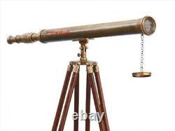 Télescope En Laiton Vintage De Portée De Chef-d'œuvre Nautique Fonctionnant Avec Le Support De Trépied