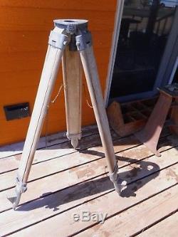 Trépied D'arpentage En Bois De L'ingénieur Rustique, Lampe De Travail Polyvalente Vintage