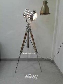Trépied De Lampadaire De Projecteur De Design Industriel Vintage