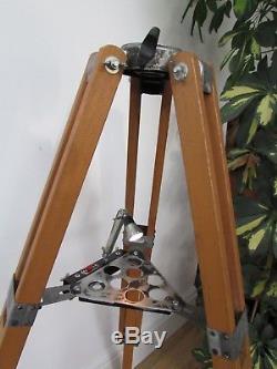 Trépied De Télescope Japonais Vintage En Bois Avec Plateau De Lumière. Idéal Pour L'éclairage