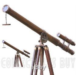 Vieux Port En Laiton Antique De Maître De Télescope Étage En Bois Debout De Plancher De Trépied