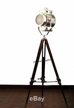 Vintage Big Nautique Searchlight Lampadaire Theater Spot Light Trépied En Bois