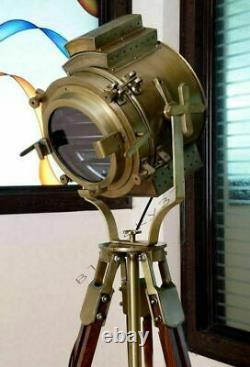 Vintage Brass Nautique Searchlight Spotlight Lampadaire En Bois Trépied Lumière