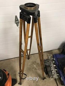 Vintage Keuffel & Esser Arpenteurs En Bois Trépied Lampe Industrielle Stand Partie De Base