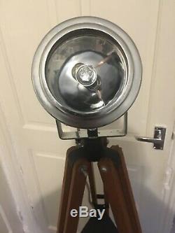 Vintage Recherche Industrial Light / Spot Light. Le Bois Dur Trépied