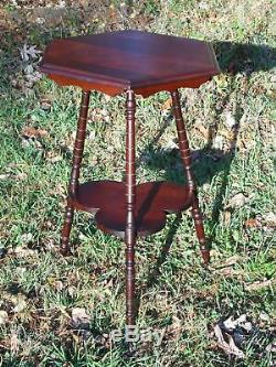 Vintage Solide En Bois De Cerisier Trépied Hexagone 2 Niveau Usine Stand Accent Table