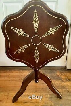 Vtg Antique Tilt Top Table 3 Leg Pâte À Tarte À La Main En Bois Peint Trépied En Bois